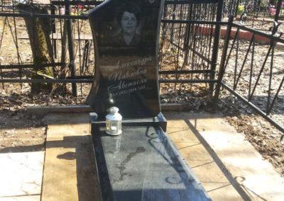эксклюзивный памятник с надгробной плитой